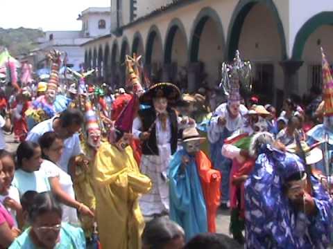 Danzas de Xico, Ver, Procesión a Santa María Magdalena