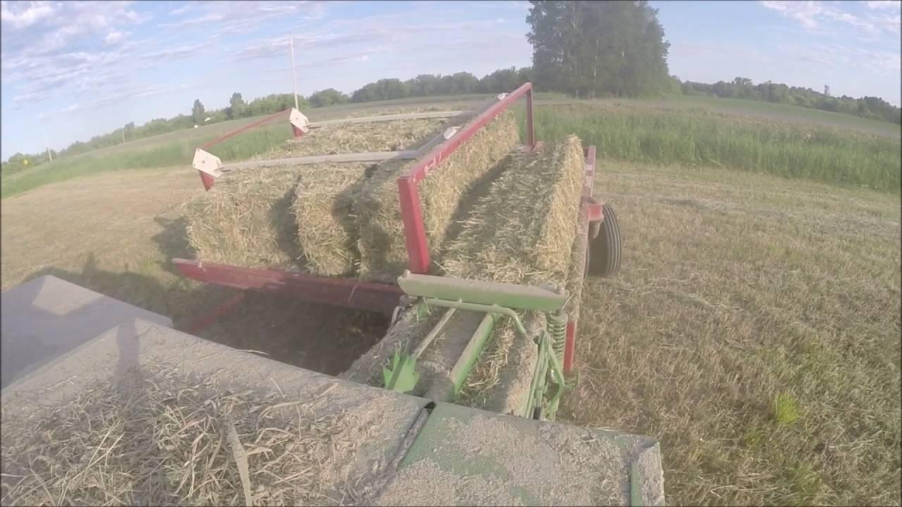 1st crop square baling with John Deere 348