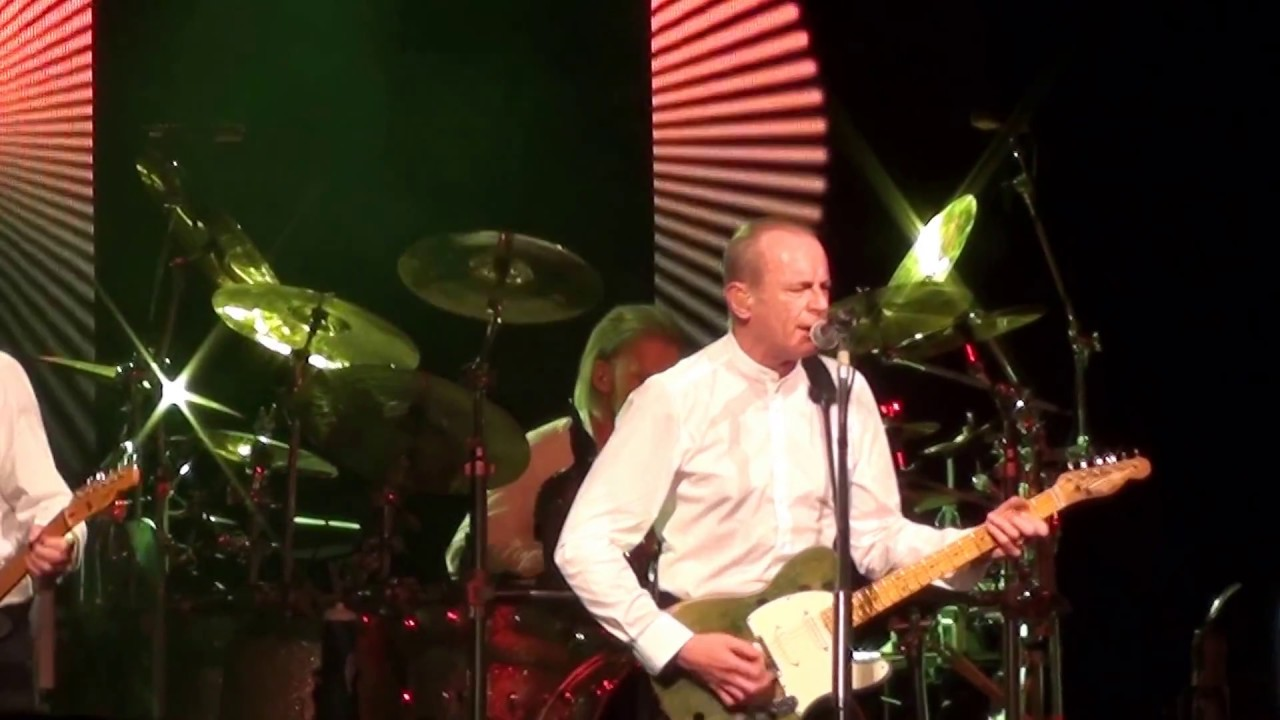 the-beginning-of-the-end-status-quo-rick-parfitt-francis-rossi-sydney-march-2013-mal-cooper