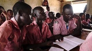 Mülteci kampında eğitimle hayata tutunan çocuklar