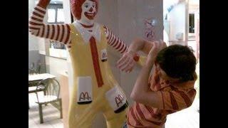 Lady Calls 911 Over Burger King Cheeseburger Order