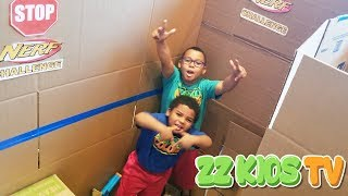 GIANT BOX FORT NERF MAZE CHALLENGE! ZZ KID VS GOO GOO GAGA