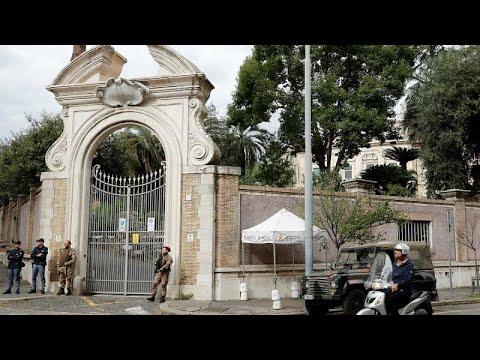 عظام بشرية في سفارة الفاتيكان بروما تفتح ملف قضية جنائية غامضة…