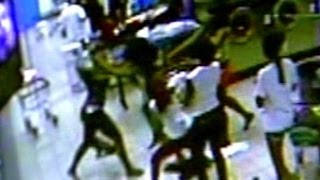 Caught on tape: Teenage girls brawl at laundromat