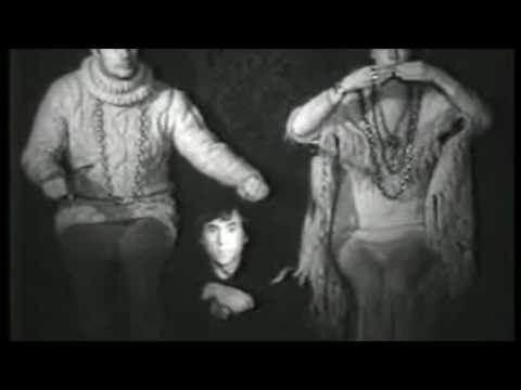 Юрий Любимов репетирует «Гамлета» с Владимиром Высоцким. Театр на Таганке, 1971 год.