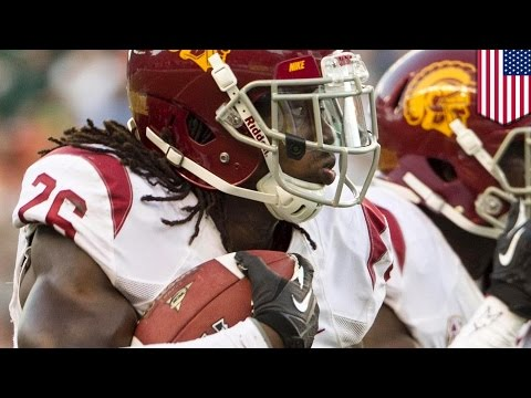 Drowning boy saved by USC cornerback Josh Shaw with leap from from 2nd floor balcony