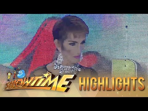 It's Showtime Miss Q & A: Vice catches candidate no. 3 talking by himself