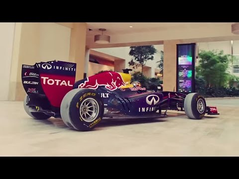 RB7 does donuts in Yas Mall (Abu Dhabi 2014)