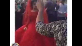 Дагестан Невеста в красном свадебном платье