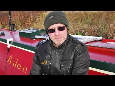 6. A Narrowboat Christmas Special - The Middlewich Branch . . .