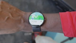 Moto 360 Impressions!(Moto 360 smartwatch hands-on and impressions! LG G Watch Impressions: http://youtu.be/yBWNZTYPbzA Video Gear I use: ..., 2014-06-27T05:18:25.000Z)