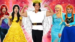 Baixar GASTON TURNS GOOD! Will Belle Marry Gaston with Elsa and Anna. Totally TV.