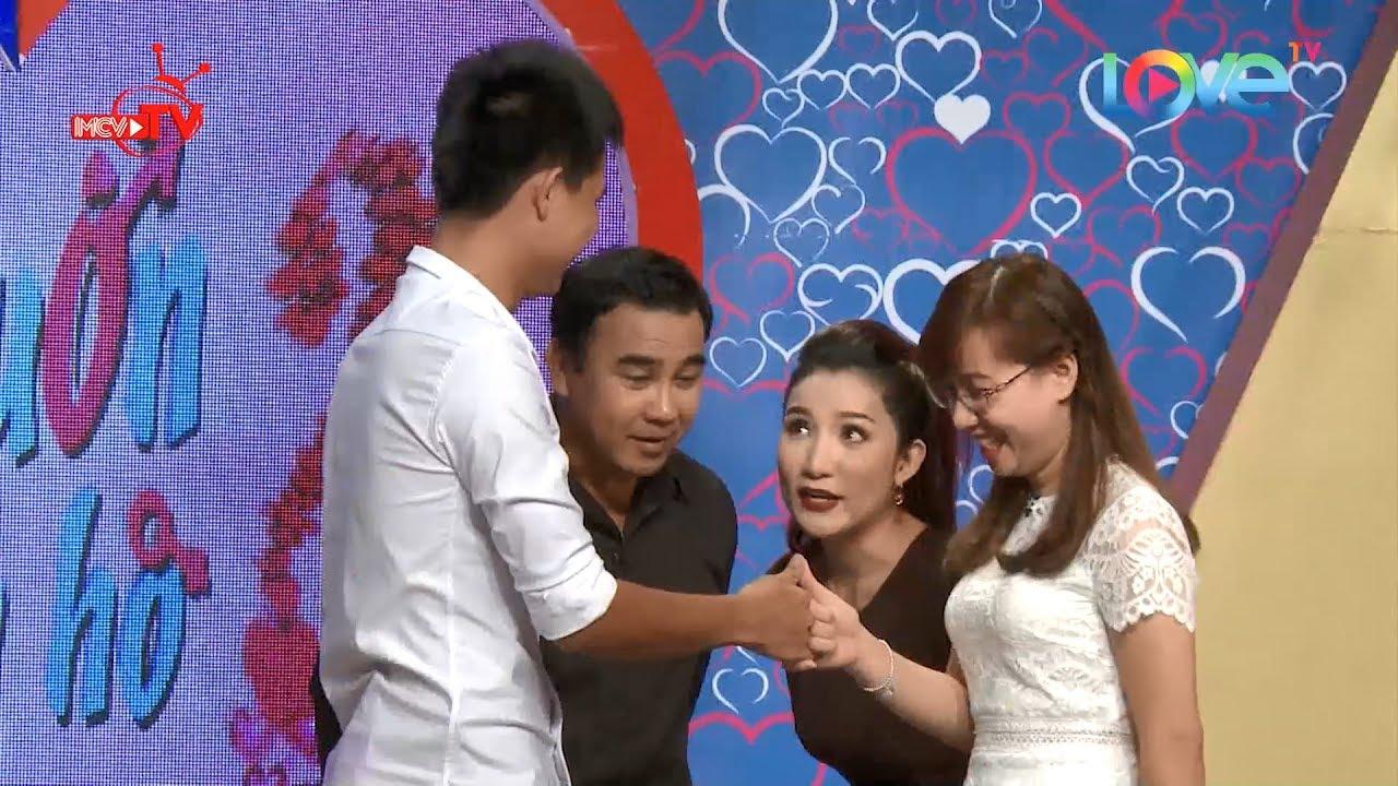 Quyền Linh Cát Tường bất ngờ với cặp đôi ngoéo tay hẹn ước ngay trên sk Bạn Muốn Hẹn Hò