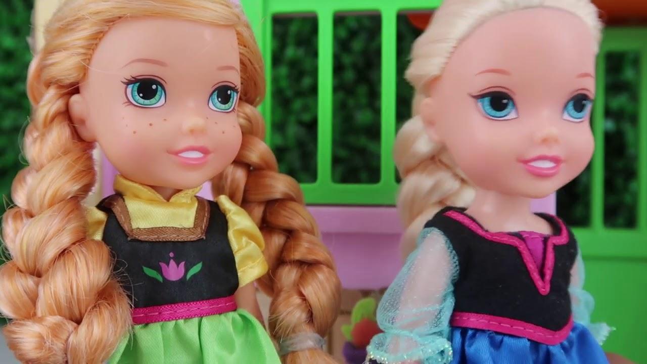 Elsa y Anna  conocen a SUS PRIMAS | Princesas de Disney