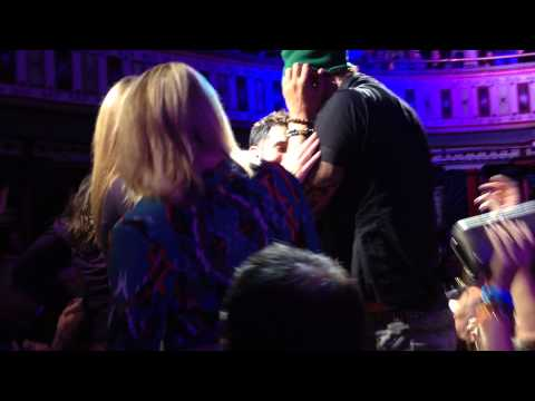 "Michael Franti & Spearhead - ""All People"" - The Tabernacle 11/08/13"
