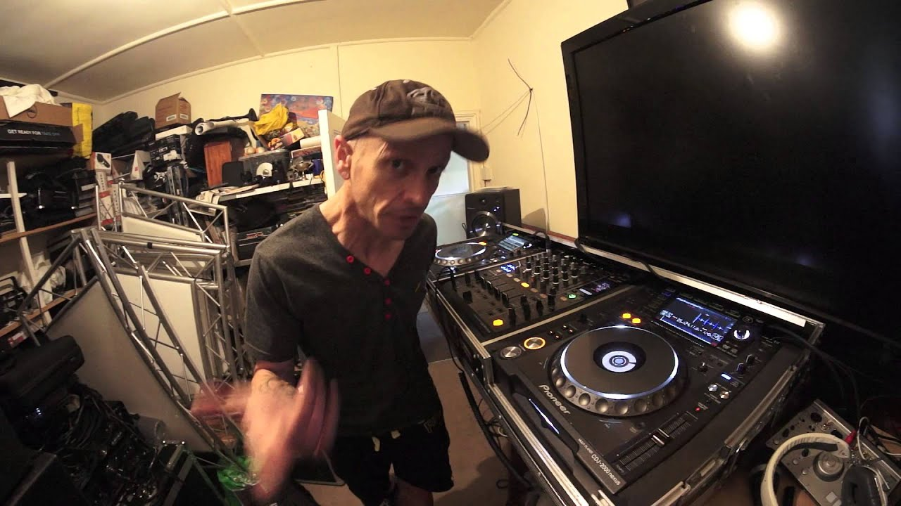 How to become a DJ from scratch at home 52
