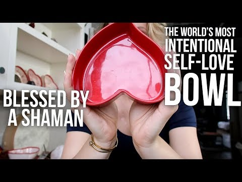 THIS HEART BOWL MAKES YOU LOVE YOURSELF