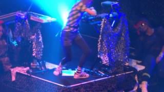 Grimes Realiti Live in Japan