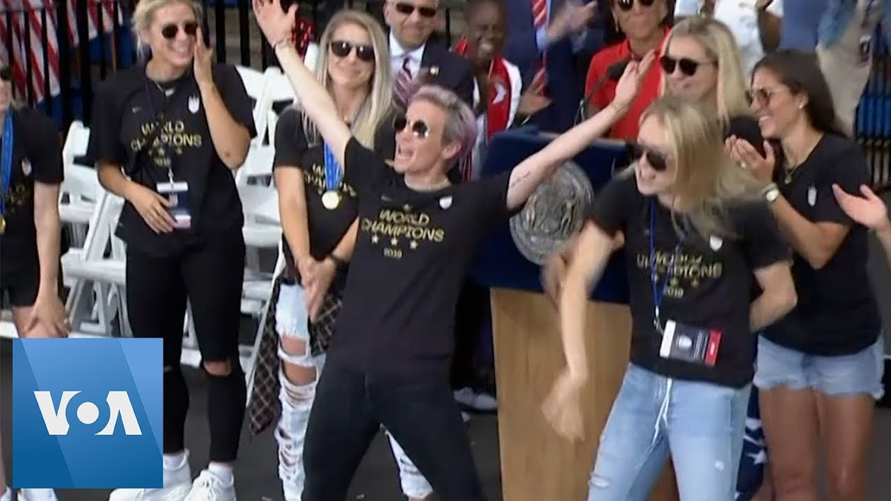 2e22ea64 U.S. Women Soccer Team Cheered by Fans During New York City Victory Parade