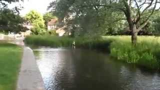 WALKING ALONG THE RIVER DARENT AT EYNSFORD KENT PAST THE WEIR TO THE FORD
