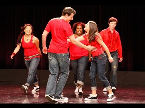 Glee - Don't Stop Believin' (Full Performance)