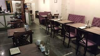 Оборудование и мебель кафе