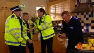 ChuckleVision 21x02 - Top Of The Cops (2 of 2)