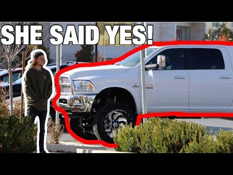 *ASKING GIRLS* DOES THIS TRUCK MAKE IT LOOK LIKE IM COMPENSATING?