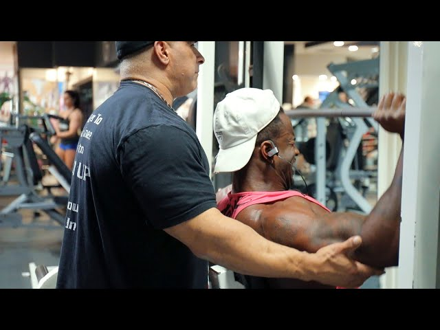 619 MUSCLE TV: Training Series -Smashing delts w/ Feddy Moe and Antonio Roseboro 7 wks out from ASC!