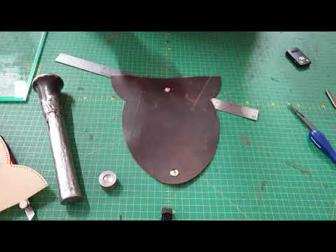 making-a-leather-sunglass-case