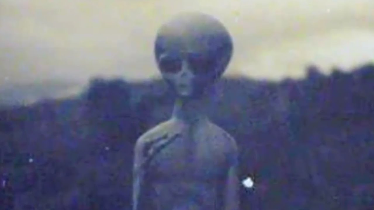 Real Alien & UFO Filmed In Area 51 - YouTube Photos Of Real Ufos And Aliens