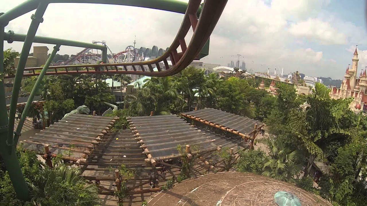 Universal Studios Singapore - Jurassic Park rollercoaster ...