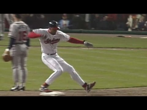 1995 WS Gm3: Alomar ties it in the 8th with a double