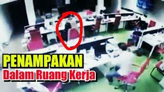 Orang ini di ganggu hantu saat lembur sendirian di kantor