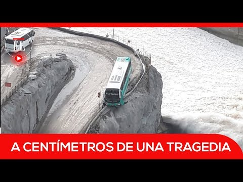 Hidroituango: un bus por poco cae al vertedero | El Espectador