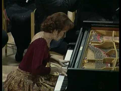 "MUZA Rubackyte. Beethoven 5th ""Emperor"" Concerto"
