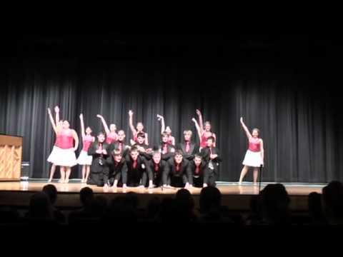 Wahoo Bishop Neumann High School Show Choir Hakuna Matata