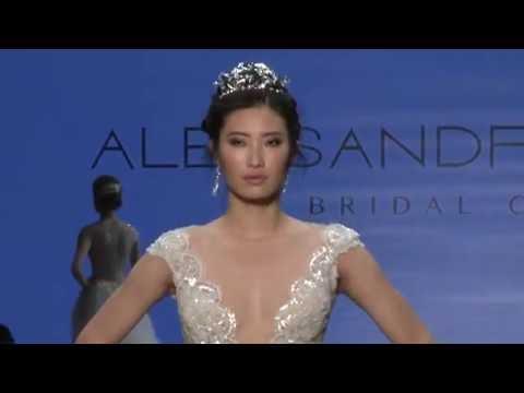 Alessandra Rinaudo 2017 Collection - Fashion Show @ Sì Sposaitalia