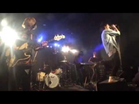 Silentone / Isolation (Live Clip )