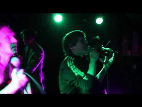 """Jimmy Whispers """"I Get Lost In You In The Summertime"""" Live at Empty Bottle"""