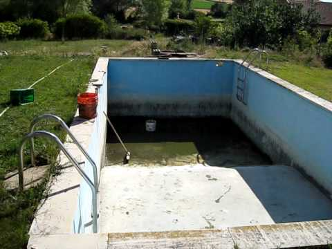Limpiando la piscina - YouTube