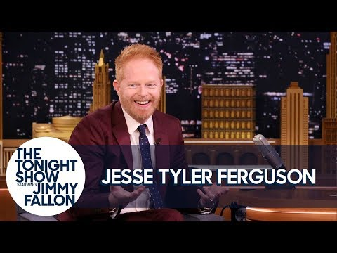 Jesse Tyler Ferguson Will Photobomb Your Celeb Faves on Every Red Carpet