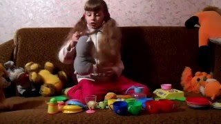 Играем в повара. Кормим зверят. Детская посуда для девочек.(, 2016-04-01T15:09:54.000Z)