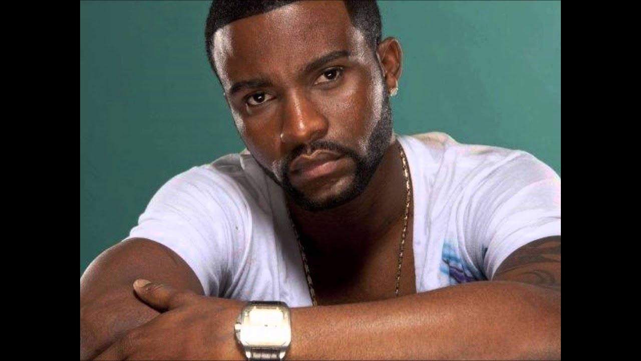 Download Fally Ipupa - Une minute (Fr)