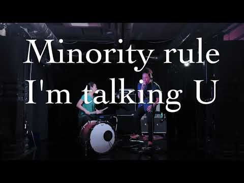 UHNELLYS - Minority