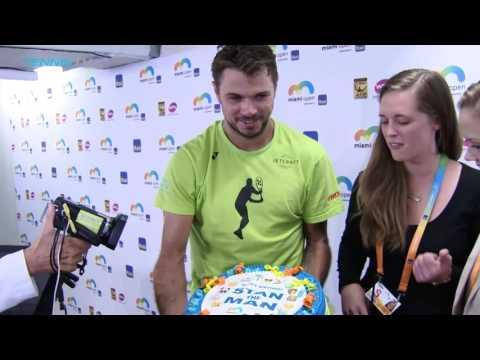 Wawrinka Receives Birthday Cake Miami 2017