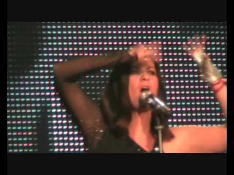Laura pausini world tour 2009 ascolta il tuo cuore e non for Laura pausini ascolta il tuo cuore