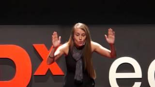Viajar y abrirse al mundo, para conocerte a ti mismo | Sarah Dodd | TEDxLeon