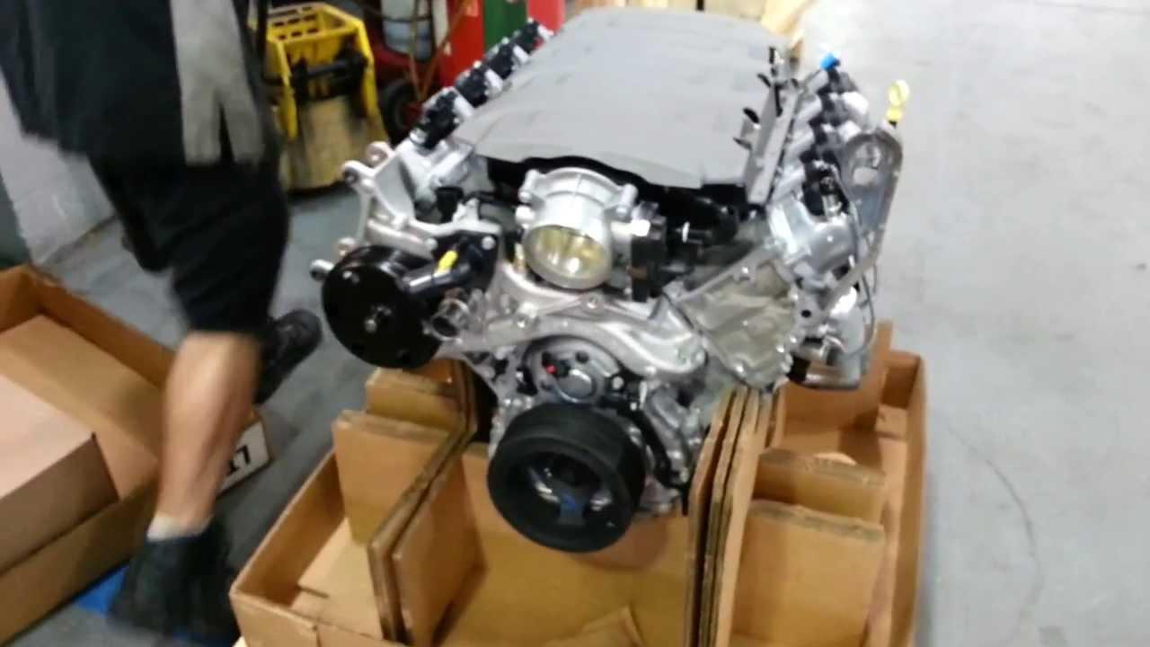 EPIC Unboxing 2014 C7 Corvette Stingray Engine Gen 5 LT1 ...