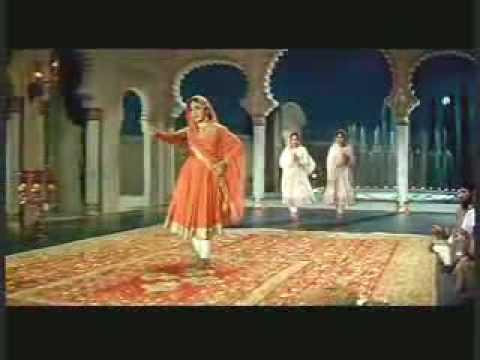 Meena Kumari - Lata - Chalte Chalte - Pakeezah (1972)